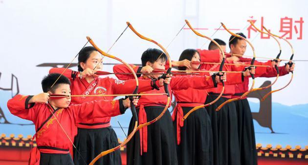 中华礼射文化展演活动在河南中牟县轩顺街小学举行